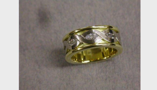 Helix wedding ring with diamonds